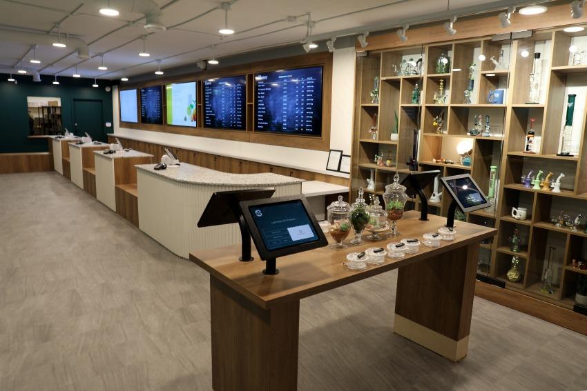 Kelowna Dispensary - Cheeba Cheebas Premium Cannabis Interior